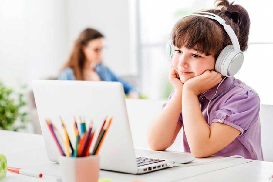 advantages of online courses for kids banner